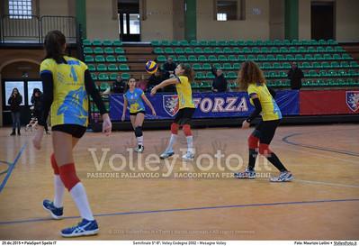 Semifinale 5º-8º: Volley Codogno 2002 - Mesagne Volley 7º Trofeo Nazionale Under 16 Femminile - 5º Memorial Tomasso Sulpizi.  PalaSport Spello PG, 29 Dicembre 2015. FOTO: Maurizio Lollini © 2015 Volleyfoto.it, all rights reserved [id:20151229.DSC_4914]