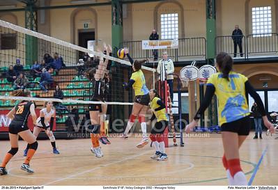 Semifinale 5º-8º: Volley Codogno 2002 - Mesagne Volley 7º Trofeo Nazionale Under 16 Femminile - 5º Memorial Tomasso Sulpizi.  PalaSport Spello PG, 29 Dicembre 2015. FOTO: Maurizio Lollini © 2015 Volleyfoto.it, all rights reserved [id:20151229.DSC_4921]