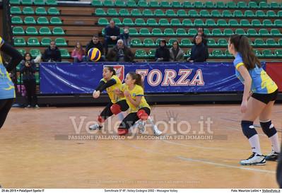 Semifinale 5º-8º: Volley Codogno 2002 - Mesagne Volley 7º Trofeo Nazionale Under 16 Femminile - 5º Memorial Tomasso Sulpizi.  PalaSport Spello PG, 29 Dicembre 2015. FOTO: Maurizio Lollini © 2015 Volleyfoto.it, all rights reserved [id:20151229.DSC_4930]