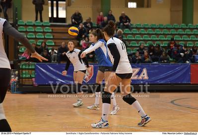 Semifinale: I' Giglio Castelfiorentino - Pallavolo Fabriano Volley Insieme 7º Trofeo Nazionale Under 16 Femminile - 5º Memorial Tomasso Sulpizi.  PalaSport Spello PG, 29 Dicembre 2015. FOTO: Maurizio Lollini © 2015 Volleyfoto.it, all rights reserved [id:20151229.DSC_5341]