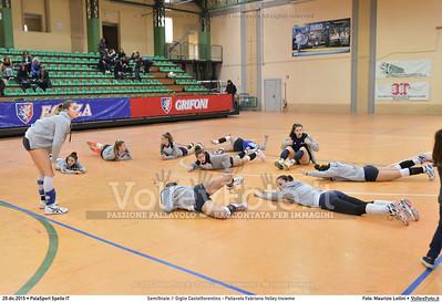 Semifinale: I' Giglio Castelfiorentino - Pallavolo Fabriano Volley Insieme 7º Trofeo Nazionale Under 16 Femminile - 5º Memorial Tomasso Sulpizi.  PalaSport Spello PG, 29 Dicembre 2015. FOTO: Maurizio Lollini © 2015 Volleyfoto.it, all rights reserved [id:20151229.DSC_5264]