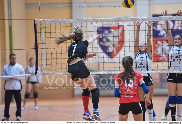Finale 11º posto: Volley 4 Strade rieti - Volley Cave Roma 7º Trofeo Nazionale Under 16 Femminile - 5º Memorial Tomasso Sulpizi.  PalaSport Spello PG, 28 Dicembre 2015. FOTO: Maurizio Lollini © 2015 Volleyfoto.it, all rights reserved [id:20151229.DSC_5834]