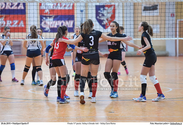 Finale 11º posto: Volley 4 Strade rieti - Volley Cave Roma 7º Trofeo Nazionale Under 16 Femminile - 5º Memorial Tomasso Sulpizi.  PalaSport Spello PG, 28 Dicembre 2015. FOTO: Maurizio Lollini © 2015 Volleyfoto.it, all rights reserved [id:20151229.DSC_5841]