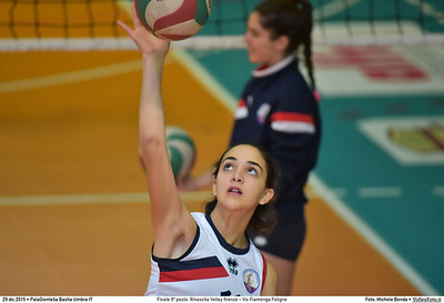 Finale 9º posto: Rinascita Volley firenze - Vis Fiamenga Foligno 7º Trofeo Nazionale Under 16 Femminile - 5º Memorial Tomasso Sulpizi.  PalaGiontella Bastia Umbra PG, 28 Dicembre 2015. FOTO: Michele Benda © 2015 Volleyfoto.it, all rights reserved [id:20151229.MB2_3659]