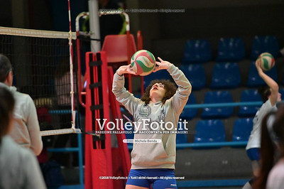 "Under14 «Roma Volley Group - Cortona Volley AR» - 8º Memorial ""Tomasso Sulpizi"" • 10º Trofeo Nazionale Volley U14 & U16 Femminile IT, 28 dicembre 2018 - Foto: Michele Benda per VolleyFoto.it [Riferimento file: 2018-12-28/NZ6_4698]"