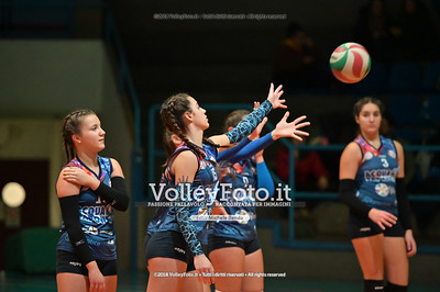 "Under14 «Roma Volley Group - Cortona Volley AR» - 8º Memorial ""Tomasso Sulpizi"" • 10º Trofeo Nazionale Volley U14 & U16 Femminile IT, 28 dicembre 2018 - Foto: Michele Benda per VolleyFoto.it [Riferimento file: 2018-12-28/NZ6_4719]"