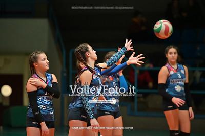 """Under14 «Roma Volley Group - Cortona Volley AR» - 8º Memorial """"Tomasso Sulpizi"""" • 10º Trofeo Nazionale Volley U14 & U16 Femminile IT, 28 dicembre 2018 - Foto: Michele Benda per VolleyFoto.it [Riferimento file: 2018-12-28/NZ6_4719]"""
