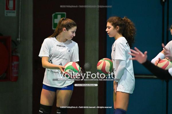 """Under14 «Roma Volley Group - Cortona Volley AR» - 8º Memorial """"Tomasso Sulpizi"""" • 10º Trofeo Nazionale Volley U14 & U16 Femminile IT, 28 dicembre 2018 - Foto: Michele Benda per VolleyFoto.it [Riferimento file: 2018-12-28/NZ6_4715]"""