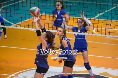 """Under14 «Roma Volley Group - Cortona Volley AR» - 8º Memorial """"Tomasso Sulpizi"""" • 10º Trofeo Nazionale Volley U14 & U16 Femminile IT, 28 dicembre 2018 - Foto: Michele Benda per VolleyFoto.it [Riferimento file: 2018-12-28/NZ6_4789]"""