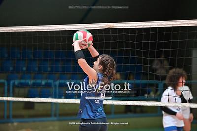 """Under14 «Roma Volley Group - Cortona Volley AR» - 8º Memorial """"Tomasso Sulpizi"""" • 10º Trofeo Nazionale Volley U14 & U16 Femminile IT, 28 dicembre 2018 - Foto: Michele Benda per VolleyFoto.it [Riferimento file: 2018-12-28/NZ6_4705]"""