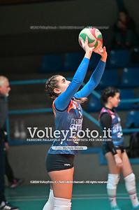 """Under14 «Roma Volley Group - Cortona Volley AR» - 8º Memorial """"Tomasso Sulpizi"""" • 10º Trofeo Nazionale Volley U14 & U16 Femminile IT, 28 dicembre 2018 - Foto: Michele Benda per VolleyFoto.it [Riferimento file: 2018-12-28/NZ6_4692]"""