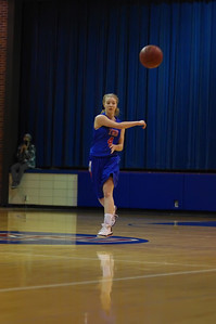 20120124_Girls_Basketball_A_DawsonBoyd_Noiseware4Full_021