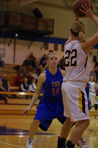 20120124_Girls_Basketball_A_DawsonBoyd_Noiseware4Full_032
