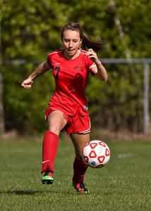 Crestwood at Redeemer Girls Soccer_042010_0024