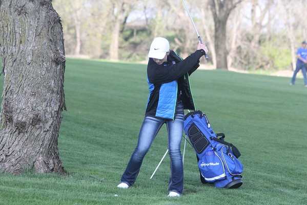 Girls golf at Rock River Golf Club 2-21