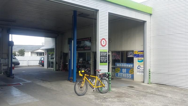 Mangapapa Garage Ormond Road June 2015