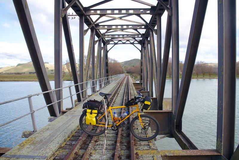 Disused Waipaoa River Bridge Gisborne June 2015