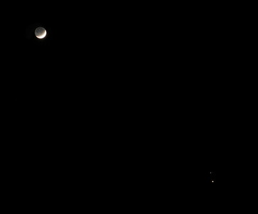 Crescent moon along with Saturn and Jupiter in conjunction. Photographed with Sony a6600.