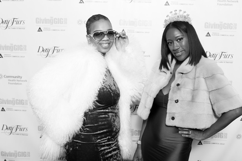 A-KH-Giving Gig-Step-Repeat-387