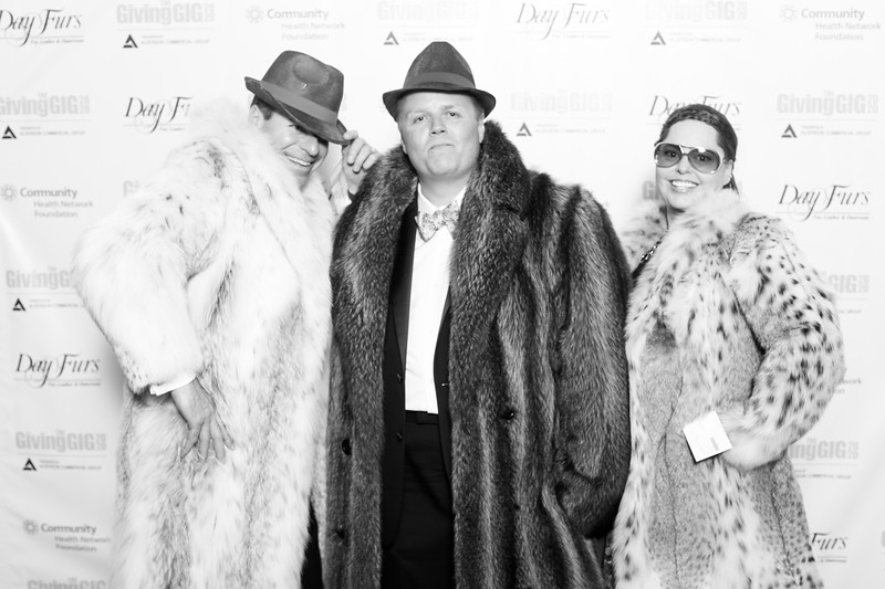 A-KH-Giving Gig-Step-Repeat-353