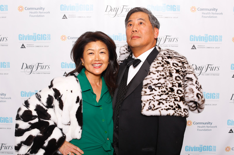A-KH-Giving Gig-Step-Repeat-430