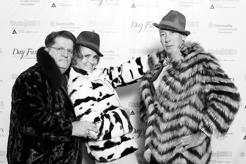 A-KH-Giving Gig-Step-Repeat-369
