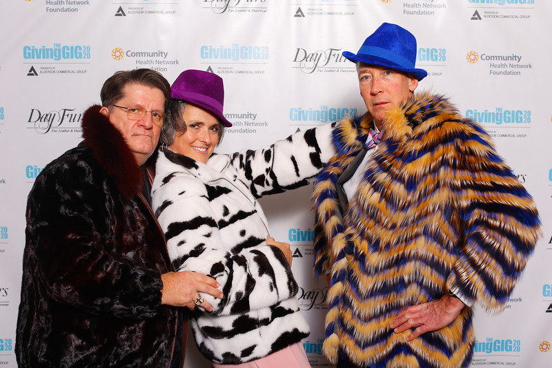 A-KH-Giving Gig-Step-Repeat-368
