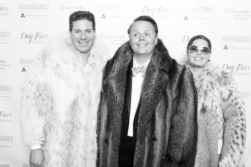 A-KH-Giving Gig-Step-Repeat-349