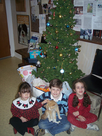 Christmas visitors who brought goodies to the animals1