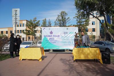 """2021 оны есдүгээр сарын 27. """"Grand tour-2021"""" аялал жуулчлалын улсын олимпиадын шилдгүүдэд шагнал гардууллаа. ГЭРЭЛ ЗУРГИЙГ И.НОМИН/MPA"""