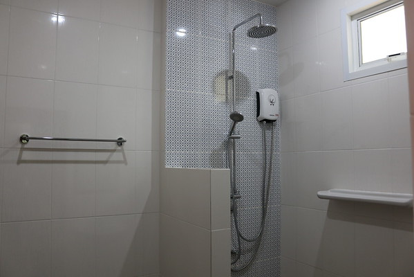 Glai Talay Villa En suite shower