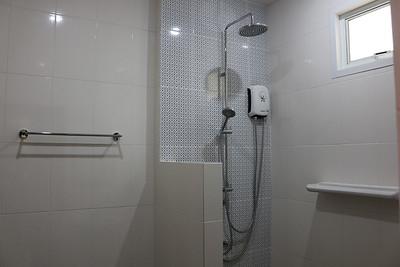 Glai Talay Villa Shower Long Beach, Ko Lanta