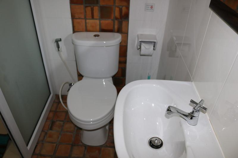 Glai Talay Villa Bathroom