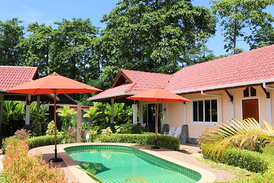 Glai Talay: 2 Bedroom Villa Long Beach Ko Lanta, image copyright  KoLanta.net