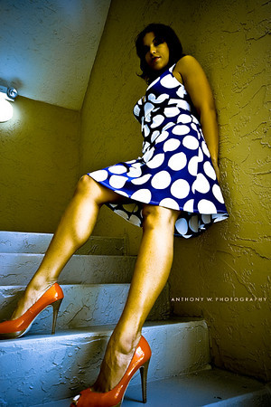 http://galleries.anthonywphotography.com/Glamour-and-Fashion/2006-2007/Khrys-legs2/620089908_h6XhV-M.jpg
