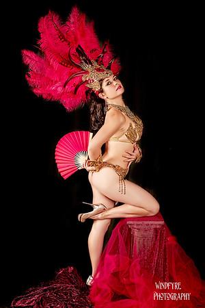 Dina Bedenko Vintage Burlesque