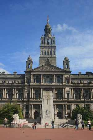 City Chambers and Cenotaph.