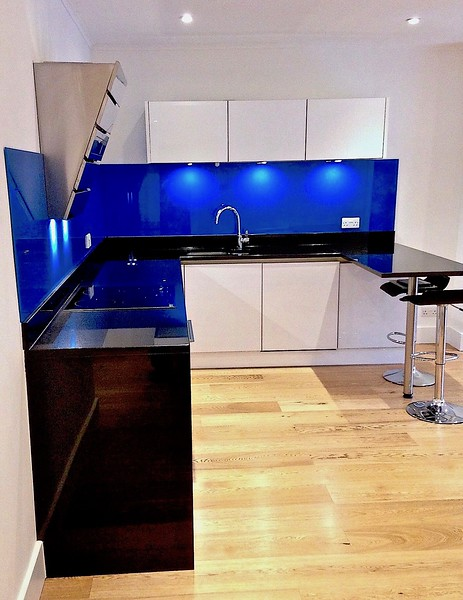 Kitchen Glass Splashback (b)