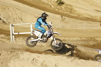Race 1 024