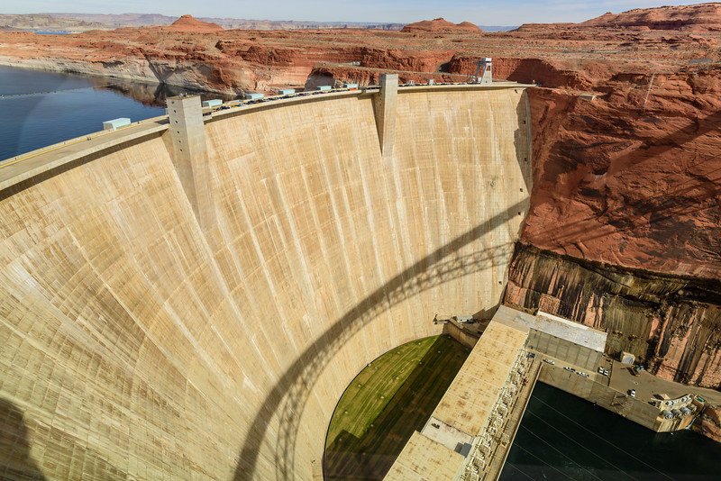 Even with my 20mm Wide Angle lens wasn't wide enough take in the whole dam.