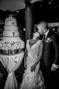 GLE_1639_Glendaly_cake_ReadyToGoPRODUCTIONS com_new York_wedding
