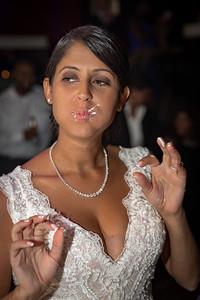 GLE_1631_Glendaly_cake_ReadyToGoPRODUCTIONS com_new York_wedding