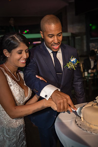 GLE_1616_Glendaly_cake_ReadyToGoPRODUCTIONS com_new York_wedding