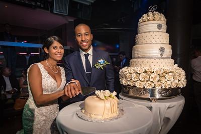 GLE_1612_Glendaly_cake_ReadyToGoPRODUCTIONS com_new York_wedding