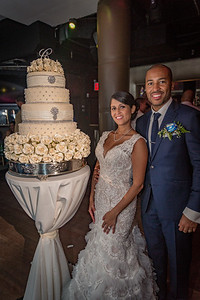 GLE_1638_Glendaly_cake_ReadyToGoPRODUCTIONS com_new York_wedding