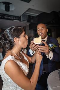 GLE_1627_Glendaly_cake_ReadyToGoPRODUCTIONS com_new York_wedding