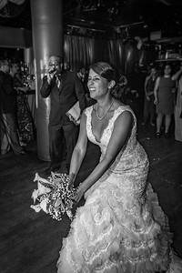 GLE_1646_Glendaly_cake_ReadyToGoPRODUCTIONS com_new York_wedding