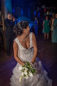 GLE_1647_Glendaly_cake_ReadyToGoPRODUCTIONS com_new York_wedding