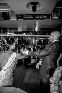 GLE_1635_Glendaly_cake_ReadyToGoPRODUCTIONS com_new York_wedding