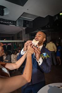 GLE_1621_Glendaly_cake_ReadyToGoPRODUCTIONS com_new York_wedding